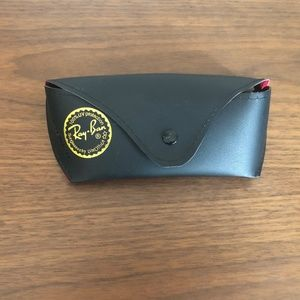 $5 ADD ON / 🕶 Raybans sunglass case